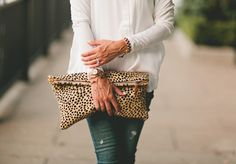 Obsessed with this clutch!