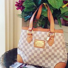 Spring is coming! Spring Is Coming, Luxury Bags, Louis Vuitton Speedy Bag, Luxury Lifestyle, Photo And Video, Shopping, Fashion, Self, Moda