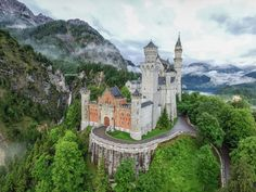 Your guide on how to visit Neuschwanstein Castle from Munich, Germany's most beautiful castle. How to get there, modes of transportation, tour options, where to stay and all the information you need to visit the castle. Castles In Ireland, Germany Castles, 3 Days In Rome, Visit Munich, Romantic Road, Poland Travel, Neuschwanstein Castle, Small Group Tours, Beautiful Castles