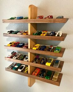 Hot Wheels Display Ideas to DIY – Moms and Crafters Hot Wheels Display, Hot Wheels Storage, Toy Storage, Storage Ideas, Wood Jewelry Display, Wood Display, Display Shelves, Display Ideas, Hot Wheels Birthday