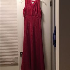 Today only‼️💃🏻Ann Taylor Red Sleeveless Dress Fully lined, 100% silk dress. Invisible side zipper. Floor length. Empire waist. Rarely worn, in excellent condition. Dress has small gold dots on it. Ann Taylor Dresses