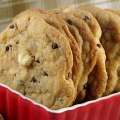 Just made these #chocolate chip #cookies with white chocolate. They look amazing and are delicious eaten while still warm. Easy recipe!
