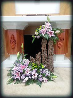 Selecting The Flower Arrangement For Church Weddings – Bridezilla Flowers Art Floral, Deco Floral, Contemporary Flower Arrangements, Large Flower Arrangements, Funeral Flower Arrangements, Alter Flowers, Church Flowers, Funeral Flowers, Purple Flowers