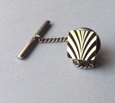 VINTAGE TIE PIN TACK Square Gold Tone Decorative Design Face  FREE P&P #TieTack