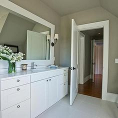 Bathroom with Taupe Walls, Contemporary, bathroom, Sherwin Williams Fawn Brindle, HGTV