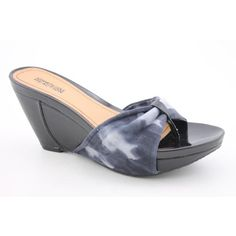 http://fbfanpages.us/pinnable-post/kenneth-cole-reaction-last-wish-open-toe-wedge-sandals-shoes-black-womens/ The Kenneth Cole Reaction Last Wish sandals feature a leather upper with an open toe. The man-made outsole lends lasting traction and wear. Made in China.
