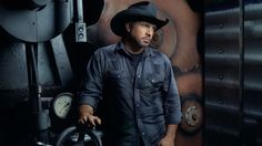 Garth Brooks Gifts Incredible Prize Pack to 4 Millionth Ticket Holder