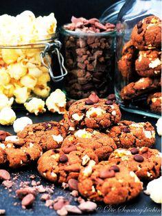 Sehr leckere Schokoladen-Popcorn Cookies mit extra Schokoladenstückchen. So richtig schön knusprig und so schön schokoladig.