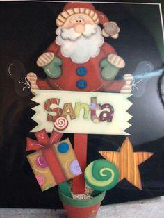 Resultado de imagen para pintura navideña country en madera Christmas Wood Crafts, Christmas Yard, Beaded Christmas Ornaments, Handmade Ornaments, Christmas Signs, Christmas Projects, All Things Christmas, Christmas Decorations, Holiday Decor