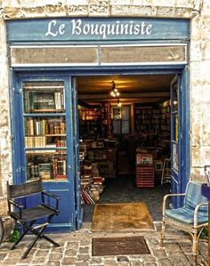 On the hunt for bookstore aesthetic ideas? Check out these cozy bookstore displays and decor options, including the lovely entrance at Le Bouquiniste in La Rochelle, France.
