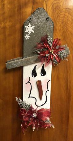 Weihnachtsbasar #trucsdenoël Weihnachtsbasar Pinterest Christmas Crafts, Christmas Wood Crafts, Snowman Crafts, Noel Christmas, Rustic Christmas, Christmas Projects, Fall Crafts, Halloween Crafts, Holiday Crafts