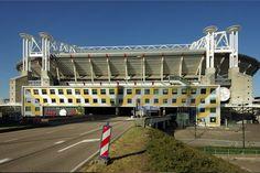 De Amsterdam ArenA wil geld van de gemeente voor 'Amsterdam' in de naam van het stadion. De gemeente Amsterdam laat weten niet bereid te zijn om hiervoor te betalen.