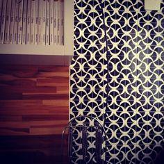 Detalhe de revestimentos nesta #cozinha projeto escritório Neo Arq SP