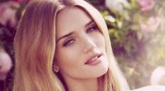 Rosie Huntington-Whiteley announces her first fragrance debut