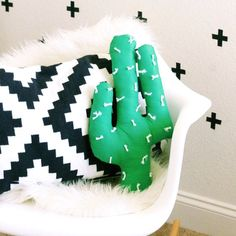 Create a fun and easy cactus pillow using this simple tutorial! Perfect for space in your home or even a nursery!