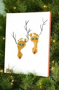 Christmas crafts. Your kid's footprints turned into reindeer!    #christmas #footprints #kidscrafts #kids