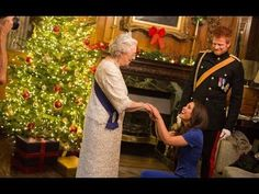 Meghan Markle 'to spend Christmas with the Queen' - YouTube