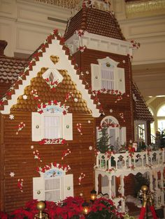 Life size gingerbread house in the Grand Floridian -- made out of real gingerbread and lots of icing.