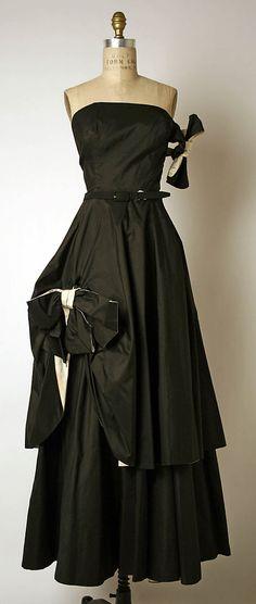 Dress, Evening  Madame Grès (Alix Barton)  (French, Paris 1903–1993 Var region)  Date: fall/winter 1948–49 Culture: French Medium: wool, metal, silk
