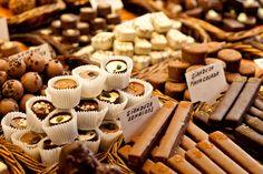 Retrouvez tous nos recettes gourmandes au chocolat (Fondant au chocolat, gâteaux au chocolat, cupcakes,Muffins, moelleux, chocolat chaud, coulant au chocolat....)  sur : http://gateaux-chocolat.fr/