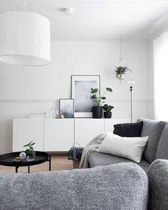Tämä ihana koti ja instatili on yksi suosikeistani @t_iinak ❤️ #olohuone #livingroom #sfs #inspiraatio #inspiration