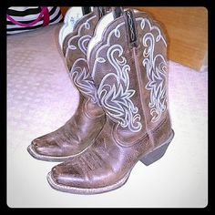 Ariat Cowboy Boots They have been worn but they are still in great condition I would say they have been broken in, I haven't worn them in years and they need a new home! Ariat Shoes