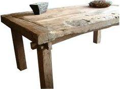 Robuuste houten familie tafel... More