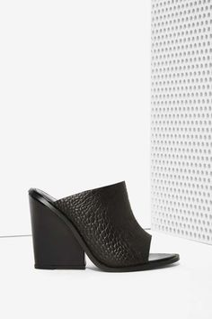 Cameo Exempt Leather Mule - Black
