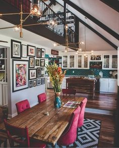 Dining room design concepts, whatever the room as well as likewise budget you require to enjoy with. Locate concepts for your dining room design with these appearances as well as additionally layouts. Home Design, New Interior Design, Küchen Design, Interior Ideas, Eclectic Design, Eclectic Style, Interior Design For Apartments, Room Interior, Cozy Eclectic Living Room