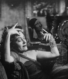 "Gloria Swanson ""Sunset Boulevard"""