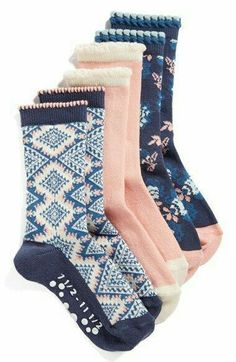Floral Print Socks    nordstrom, socks, cute socks, navy, blush, floral, floral socks, style, cozy, fashion, shop