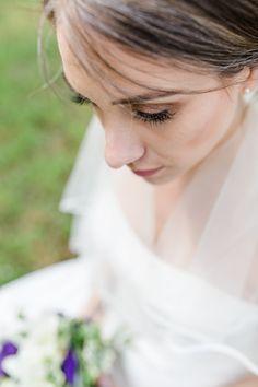Brautportrait, fotografiert bei einer Hochzeit im Schloss Ennsegg, Enns, Oberösterreich.   Bridal Portrait shot in Enns, Austria.