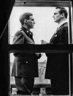 """Ralph Fiennes y Liam Neeson en """"La Lista de Schlinder"""", 1993"""
