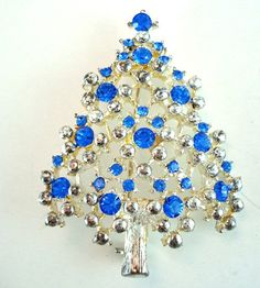 Vintage Eisenberg Ice Blue Christmas Tree Pin