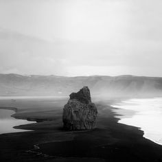 andy lee iceland 3 Breathtaking Black And White Photos Of Icelandic Landscapes