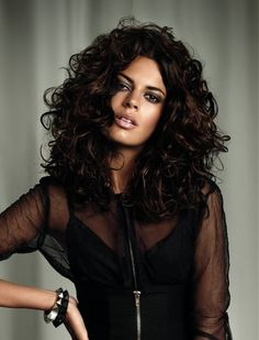 Obsessed with these curls! I will have this one day very soon perms are coming back I declare it!