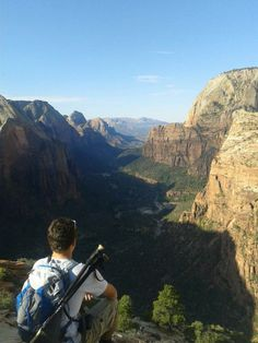 Atop Angel's Landing in Zion National Park, Utah  - http://earth66.com/atop-angels-landing-zion-national-park-utah/