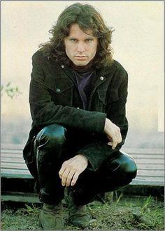 Jim Morrison fotografado por Paul Ferrara em 1968.  Veja mais em: http://semioticas1.blogspot.com.br/2013/12/jim-morrison-aos-70.html