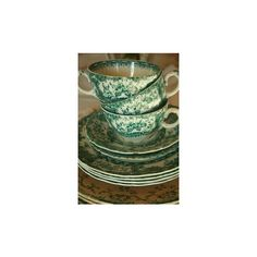 Paragon pink floral china tea set via Polyvore featuring home, kitchen & dining, teapots, backgrounds, floral teapot, pink teapot, pink tea set, pink tea pot and floral tea set