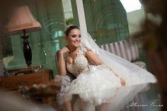 Noiva Samanta Feroudi. Vestido Vristiano Alessandro