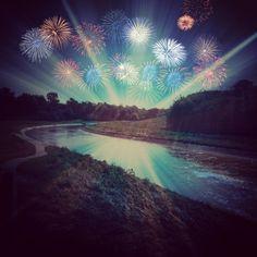 Fireworks over White Oak Bayou - yule log style!