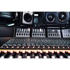 @rogerlgoodman @royalhouserecording @akhilsesh  #StudioPorn #Studio #RealStudioPorn by studio_porn