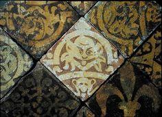 Medieval floor tiles (ceramic), English School, (14th century) / © Museum of London, UK / Bridgeman Images