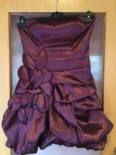 Mein Lila Kleid von Laona von Laona! Größe 40 / M, Abendkleider für 27,00 €. Sieh´s dir an: http://www.kleiderkreisel.de/damenmode/abendkleider/128414420-lila-kleid-von-laona.