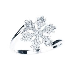 From BIRKS SNOWFLAKE™ Collection, this gorgeous e snowflake ring in 18kt white gold is made of 0.26ct diamonds. Available in sizes 5, 7 and 8. For all other sizes, please allow 4 to 6 weeks for special order.