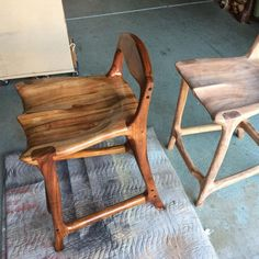 Sam Maloof inspired contempory walnut bar stool - built by Paul Lemiski of Canadian Woodworks ...