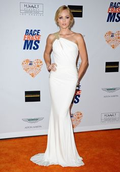 Laura Vandervoort Photos - Annual Race to Erase MS Gala. - Annual Race to Erase MS Laura Vandervoort, Girl Celebrities, Celebs, Blonde Actresses, Elsa Pataky, Red Carpet Gowns, Alicia Vikander, Canadian Actresses, Hailee Steinfeld