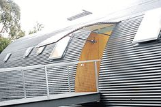 """THREE PHOTOS: Innovations such as the automated """"wing"""" windows allow cool breezes in and air-lock when closed to trap heat. Quonset Hut Homes, Log Cabin Homes, Steel Building Homes, Building A House, Garage Apartment Plans, Container House Design, Container Homes, Pole Barn Homes, Amazing Buildings"""