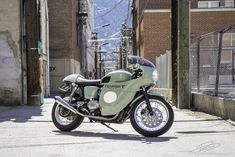 SAMPLE COLOR FOR BIANCHI BIKE  triumph-thruxton-caferacer-8.jpg (1000×667)