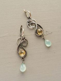 "Wire silver earrings ""Primula""."